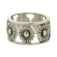 LOVEsick Daisy Cut-Out Ring