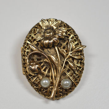 Vintage Locket Pin Brooch Antique Goldtone Filigree Flower Faux Pearl Accents Good Condition Vintage Locket Brooch Vintage Fashion