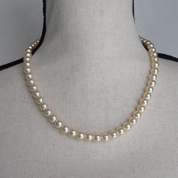 Vintage Faux Pearl Necklace with Barrel Clasp
