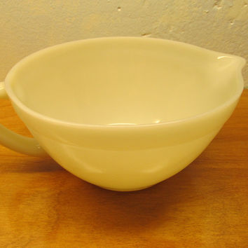 VINTAGE FOSTORIA BATTER BOWL WITH SPOUT WHITE PORCELAIN
