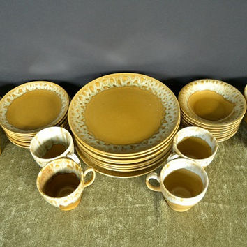 Butterscotch Stoneware Dinnerware from Cannonsburg Pottery