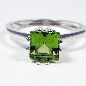Peridot Princess Cut Ring Sterling Silver, August Birthstone Ring, Square Peridot Ring, Peridot Gemstone Ring, 925 Sterling Silver Ring