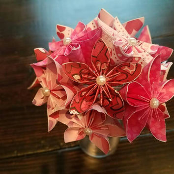 Valentines day flowers, valentines day decor, valentines day, Paper flowers, Paper flower bouquet, heart flowers, Kusudama flowers