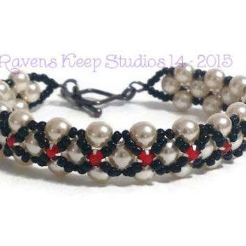 ON SALE! Queen of Hearts Bracelet, Ladies Bracelet, Off-White Pearls, Valentines Day Gift, Black Red and White,Evening Wear, Tudor