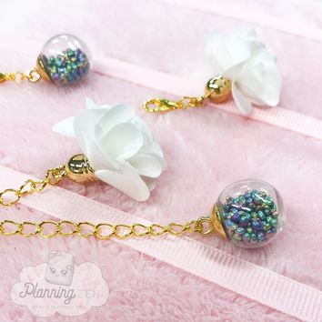 Planner Charms with Crystal Bulb with Pearlescent Stones and White Flower
