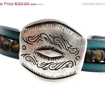CIJ ChristmasInJuly SALE Bracelet for woman, Czech glass beads and leather