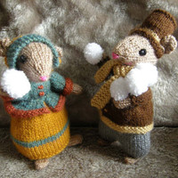 Knitted Dickensian Mice Christmas Decoration knitted Christmas toy knitted toy - Victorian snowballing snowballs - Mr and Mrs Christmas Mice