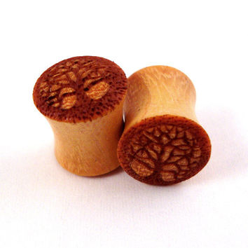 "Tree of Life Wooden Plugs - 0g (8mm) 00g (9mm) (10 mm) 7/16"" (11mm) 1/2"" (13mm) 9/16"" (14mm) 5/8"" (16mm) 11/16"" (17.5mm) 3/4"" (19mm)"