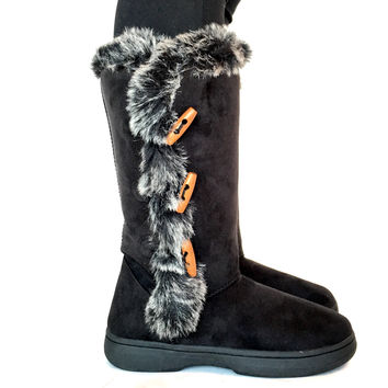 Boots With The Fur In Black