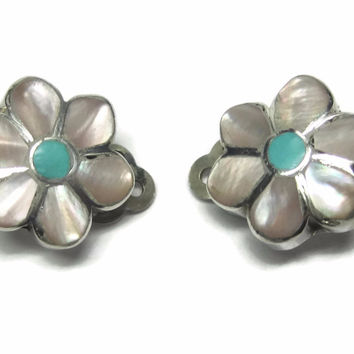 Vintage Southwestern Mother of Pearl Turquoise Flower Clip On Earrings