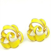 Fashion Elegant cute 3D Rose Cutout earrings