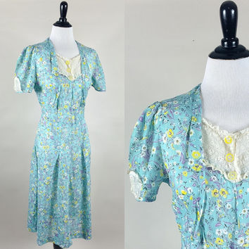 Loretta dress // 30s 40s era sheer blue floral cotton voile day dress // sheer lace panels bakelite buttons  // size M