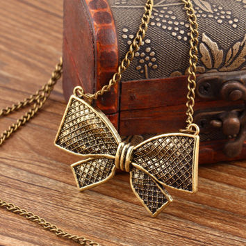 Jazzy - Statement Long Bow Chain Pendant Necklace