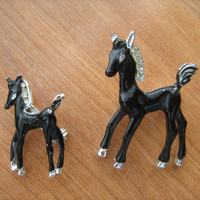 Enamel Horse and Pony scatter pins 2 in lot