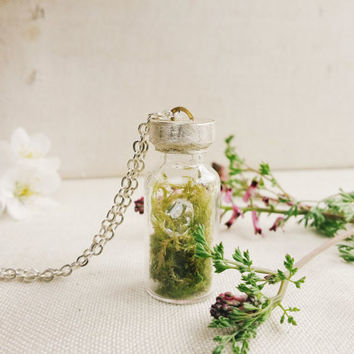 Terrarium Jar Necklace, Terrarium Pendant, Terrarium Jewelry, Moss Necklace, Nature Jewelry, Silver Chain, Sterling Jewelry
