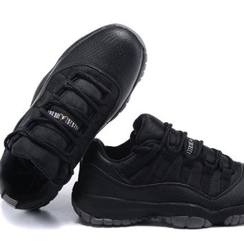 air jordan 11 all black