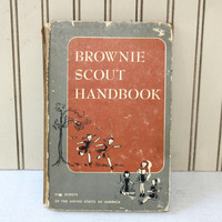 Vintage Brownie Scout Handbook c. 1956 Girl Scouts of USA , How to be a Brownie Scout Book
