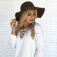 Seasoned Floppy Hat in Olive