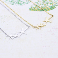 three starfish necklace in  silver or gold tone