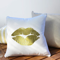 Lips Pillow, Kiss Pillow, Home Decor, Makeup Pillow, XO, Cushion Cover, Throw Pillow, Bedroom Decor, Modern Pillow, Bed Pillow, Gold Pillow.