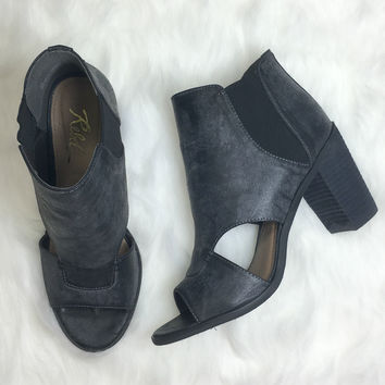 REBELS Adora Dark Grey Heels