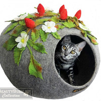 "Felt house cat "" Wild Strawberries"" - Woolen Cave for cats - cocoon of wool cat-  bed for cats"