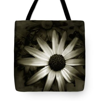 "Daisy -floral - photography Tote Bag for Sale by Ann Powell (18"" x 18"")"