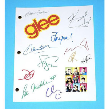 Glee Pilot Episode TV Script Signature Autographs: Heather Morris, Lea Michele, Cory Monteith, Chris Colfer, Matthew Morrison, Dianna Agron