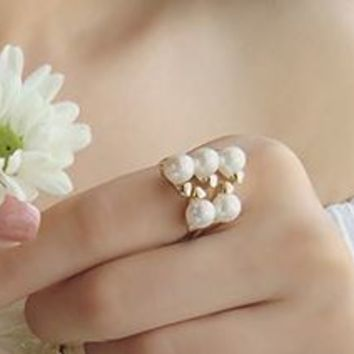 5 Pearls Finger Cuff Ring - LilyFair Jewelry