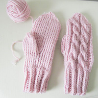Pink cable knit mittens, wool mittens, autumn accessories, knit mittens, knit gloves, cable knit, winter accessories, winter clothing