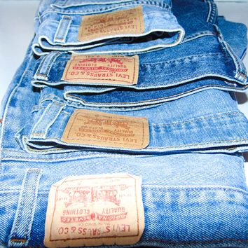Levi Vintage high waisted Denim Shorts, Boho festival shorts, distressed Levi's jeans shorts, Denim high waisted shorts, white Wash shorts
