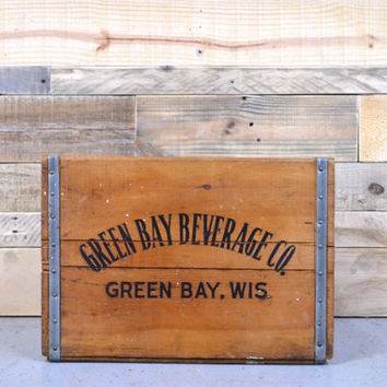 RARE Vintage GREEN BAY Beverage Company Crate, Green Bay, Wisconsin, Vintage Wood Soda Crate