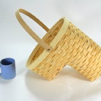 Small Natural Wooden Stair Basket Collapsable Handle