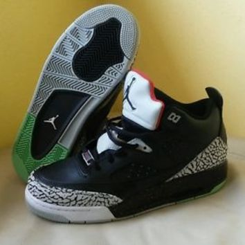 JORDAN SON OF LOW (GS) 580604-012 Size 7Y. New & Never Worn