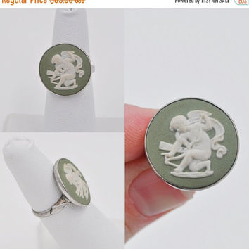 ON SALE Vintage STERLING Silver Wedgwood Green Jasperware Cameo Ring, Cupid, Made in England, Size 5 1/2, For Your Valentine! #b240