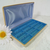 Mele Ivory Textured Vinyl Clam Shell Travel Jewelry Case with Blue Satin & Turquoise Velveteen Lining - Vintage Pierced Earrings Storage Box