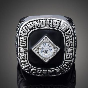 """SPORTS RING * 1967 OAKLAND """"RAIDERS"""" WORLD * CHAMPIONS /shipping from USA"""