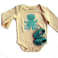 3-6 months Octopus Organic Baby Gift Set- SHORT sleeve Organic Natural One Piece with Organic Octopus Applique and Organic Crib Shoes