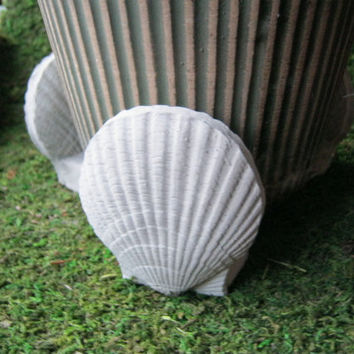 Shell Flower Plant Pot Risers Concrete - Garden Art