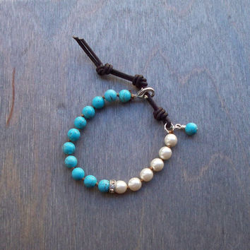 Hand knotted bead bracelet, Czech glass pearl jewellery, Boho layering bracelet, Turquoise jewelry, adjustable closure
