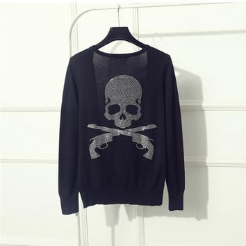 2017 V Neck Long Sleeve Hot Fix Rhinestone Women Gun Skull Sweater Diamonds Knitted Cardigan Black Quality Guarantee ZH161