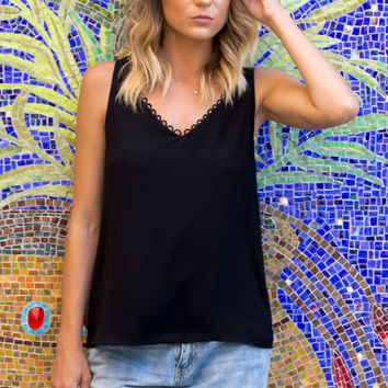 Hung Up Detail Top- BLACK