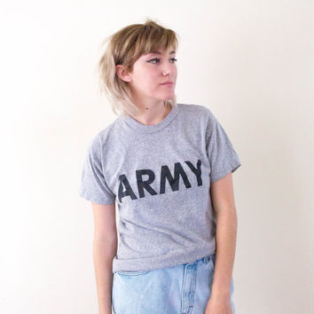 vtg 90s grey army training tee, gray america military t shirt, 1990s workout graphic vintage tumblr soft grunge vaporwave aesthetic fashion