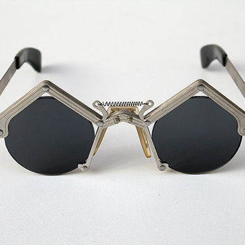 round sunglasses in silver metal Goth Steampunk style unusual unique