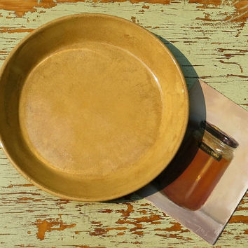 Antique Yellow Ware Pie Plate - Stoneware Pottery - Large Baking Pan - Yellowware Dish - Cottage and Farmhouse Decor