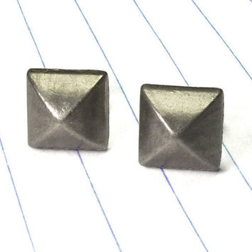 pyramid earrings - pyramid studs - metal studs - metal earrings - stud studs - silver earrings - silver studs - punk rock - rocker