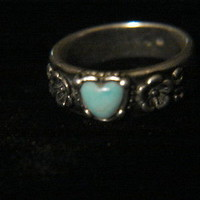 Vintage Sterling Silver 925 Turquoise Heart shaped size 6 Ring