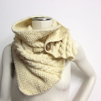 Chunky Knit Cowl, Cream Neck Warmer, Wool Knit Cowl, Off-White Scarf, Buttoned Knit Scarf, Chunky Cream Cowl, Bulky Neck Warmer