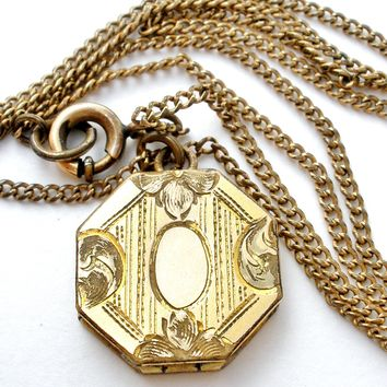 Art Nouveau Locket Pendant Necklace