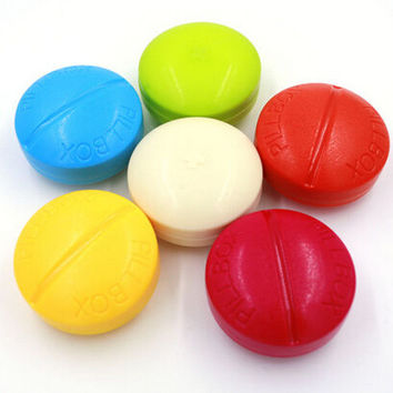 4 Slots Cute Mini Medicine Case Medical Pill Box Drug Pill Case Cute Round Shaped Pill Splitters Cases Random Color